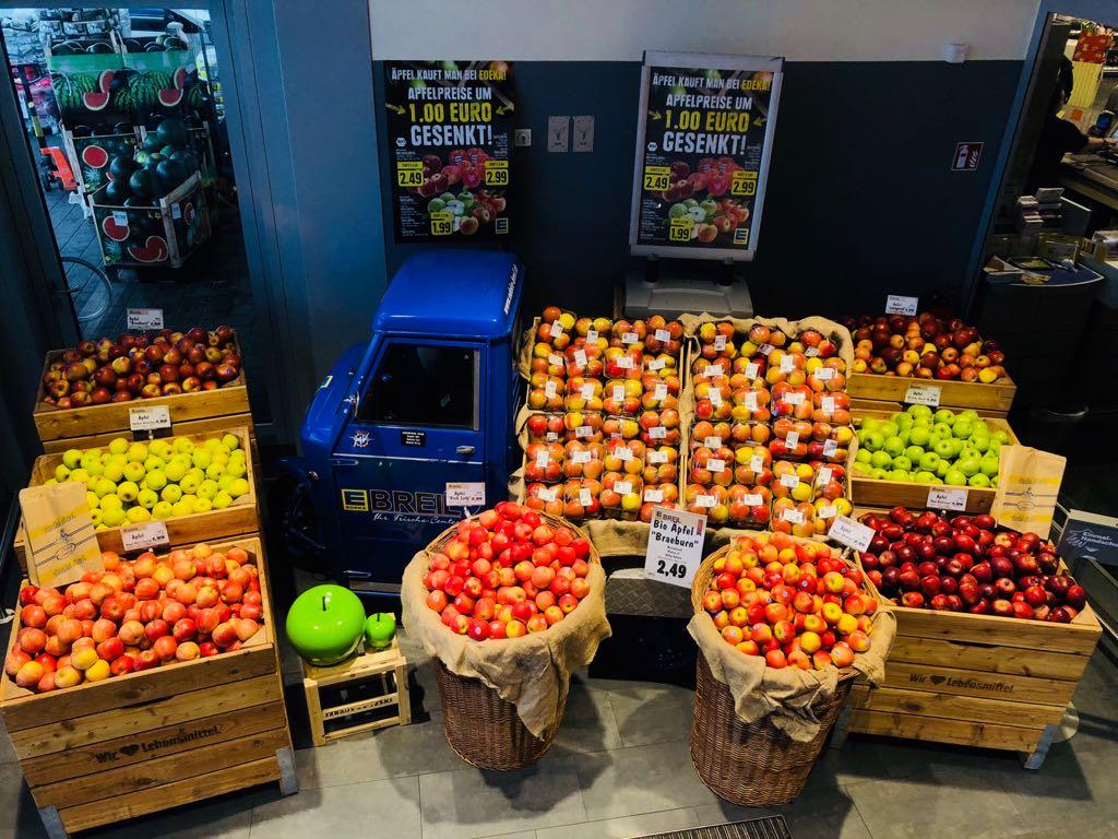 Was für eine Farbenpracht! - Unser Apfelaufbau